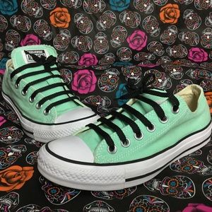 Converse Mint-tastic Mint Canvas Low Tops!